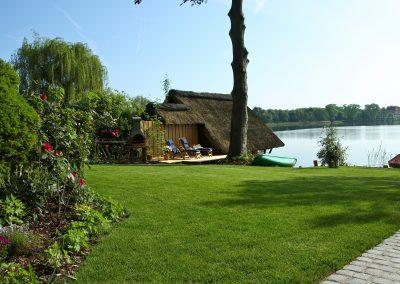 Ferienhaus am Küchensee (Ratzeburg) Garten 2